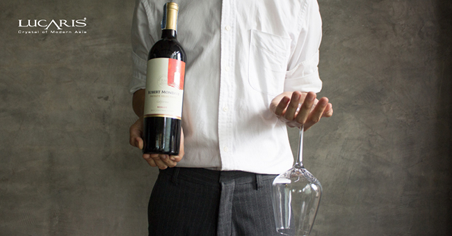 สั่งไวน์ (Wine) ในร้านอาหารอย่างไร? ไม่ให้หน้าแตก! | Lucaris Crystal